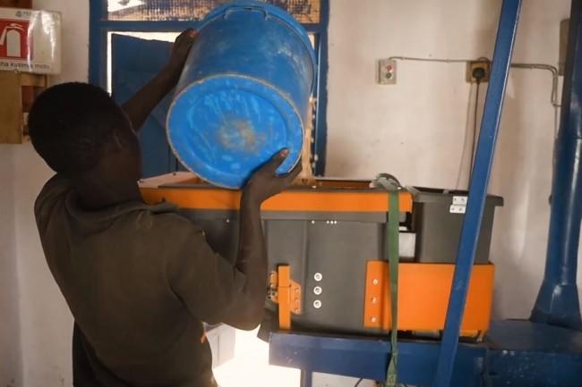 De l'IoT dans les moulins pour lutter contre la malnutrition en Tanzanie